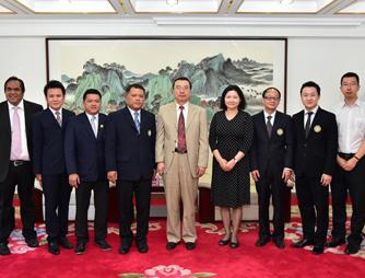 瑞嘉普大学校长访问北京邮电大学